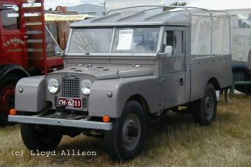 107 Land-Rovers
